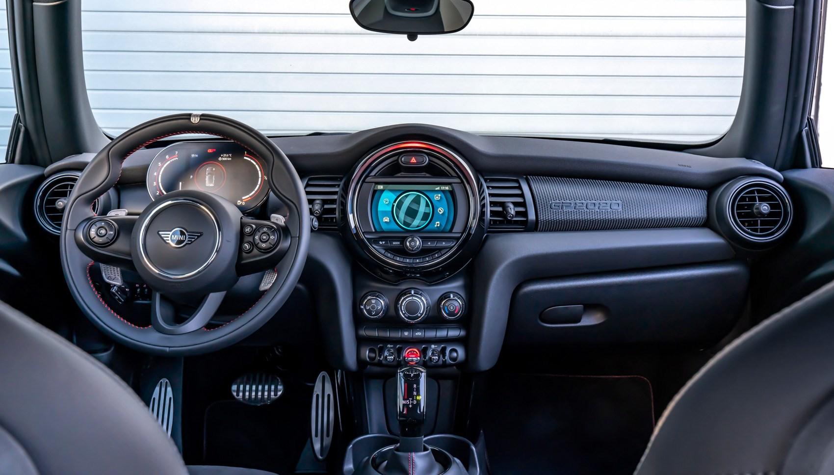 Mini GP interior