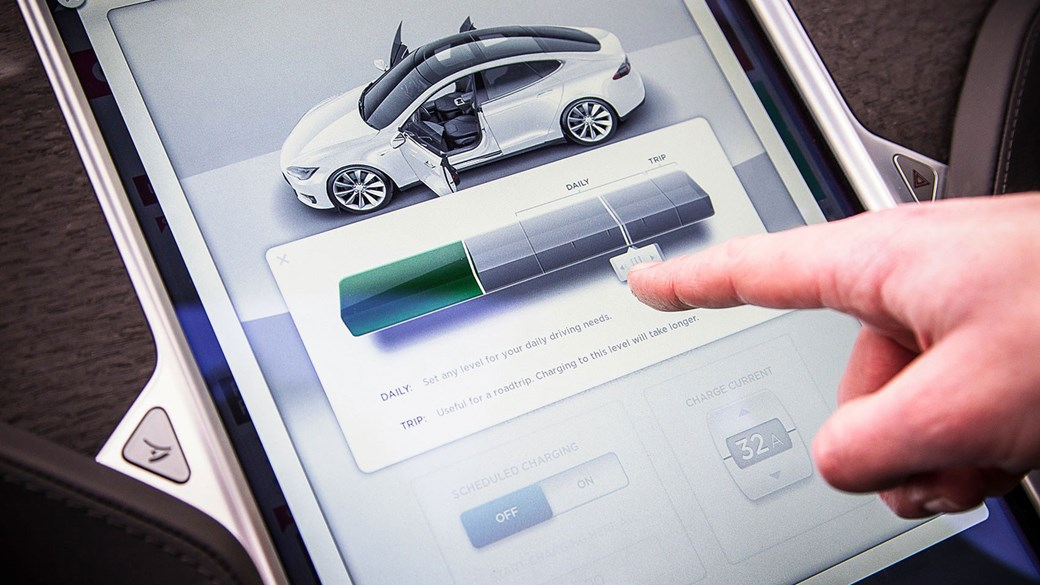 Tesla Model S: you can choose how much to recharge the lithium-ion battery