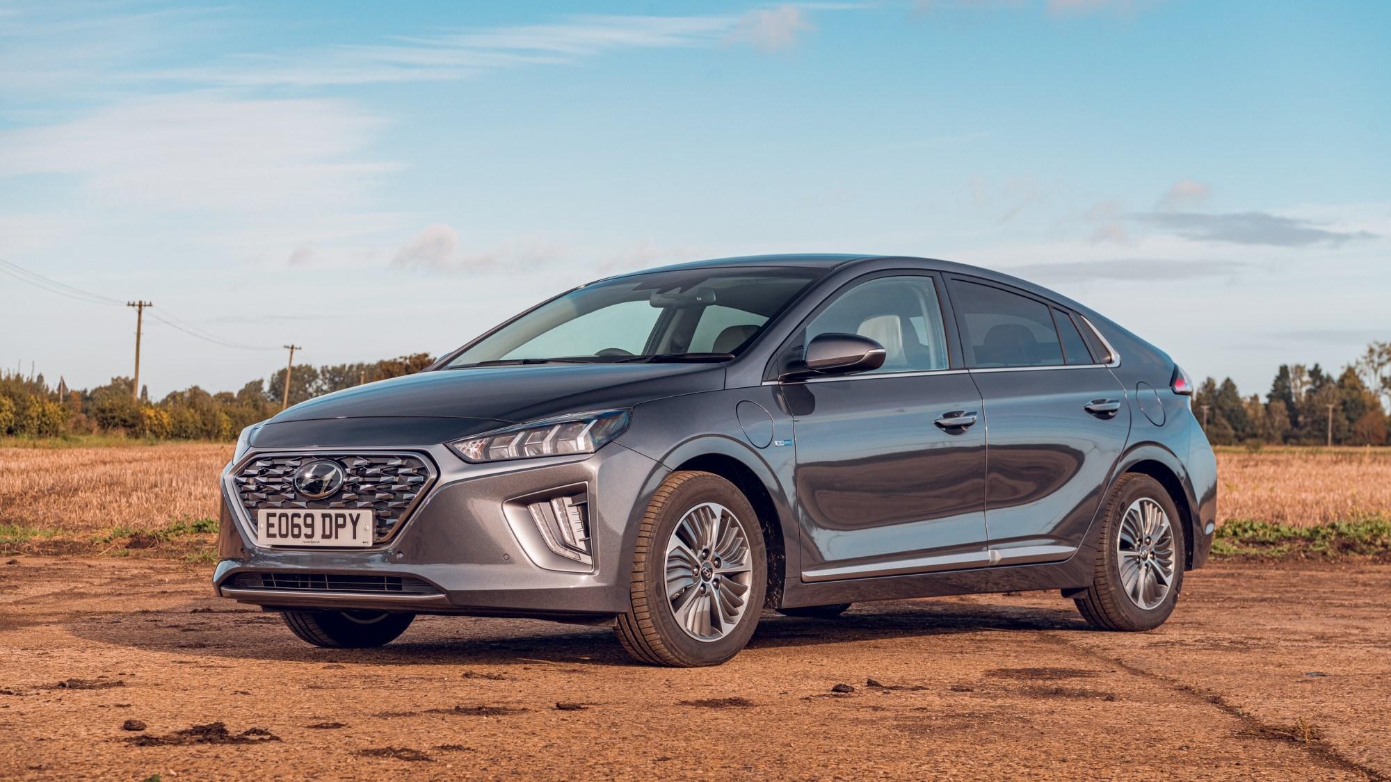 2020 Hyundai Ioniq Hybrid - front three quarter