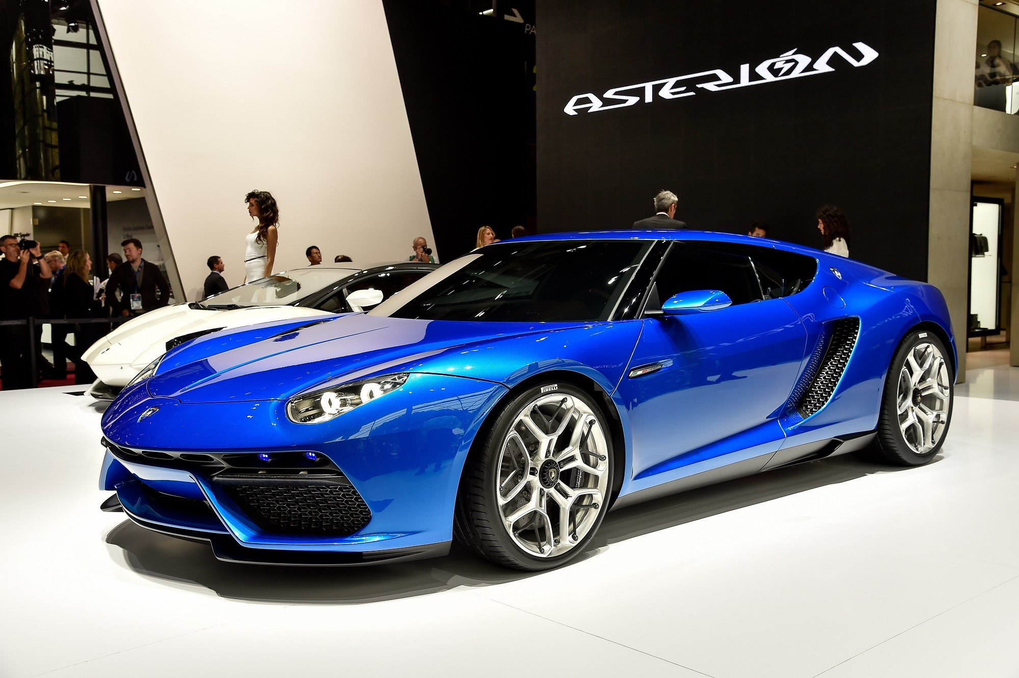 The Lights And Vents Are Angular, But The Shoulders Are Soft And Surfaces  Clean On The Lamborghini Asterion Lamborghini Design ...
