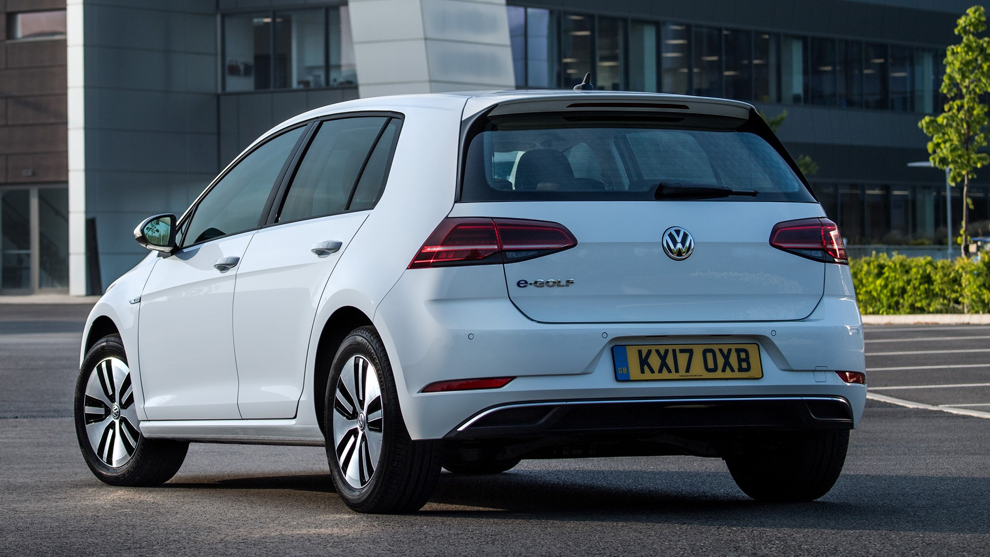 Volkswagen e-Golf rear view