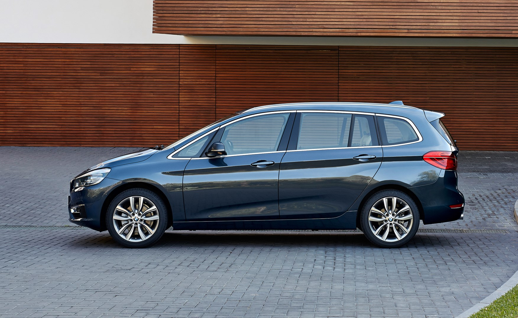 bmw 2-series gran tourer (2015): it's munich's first seven-seat