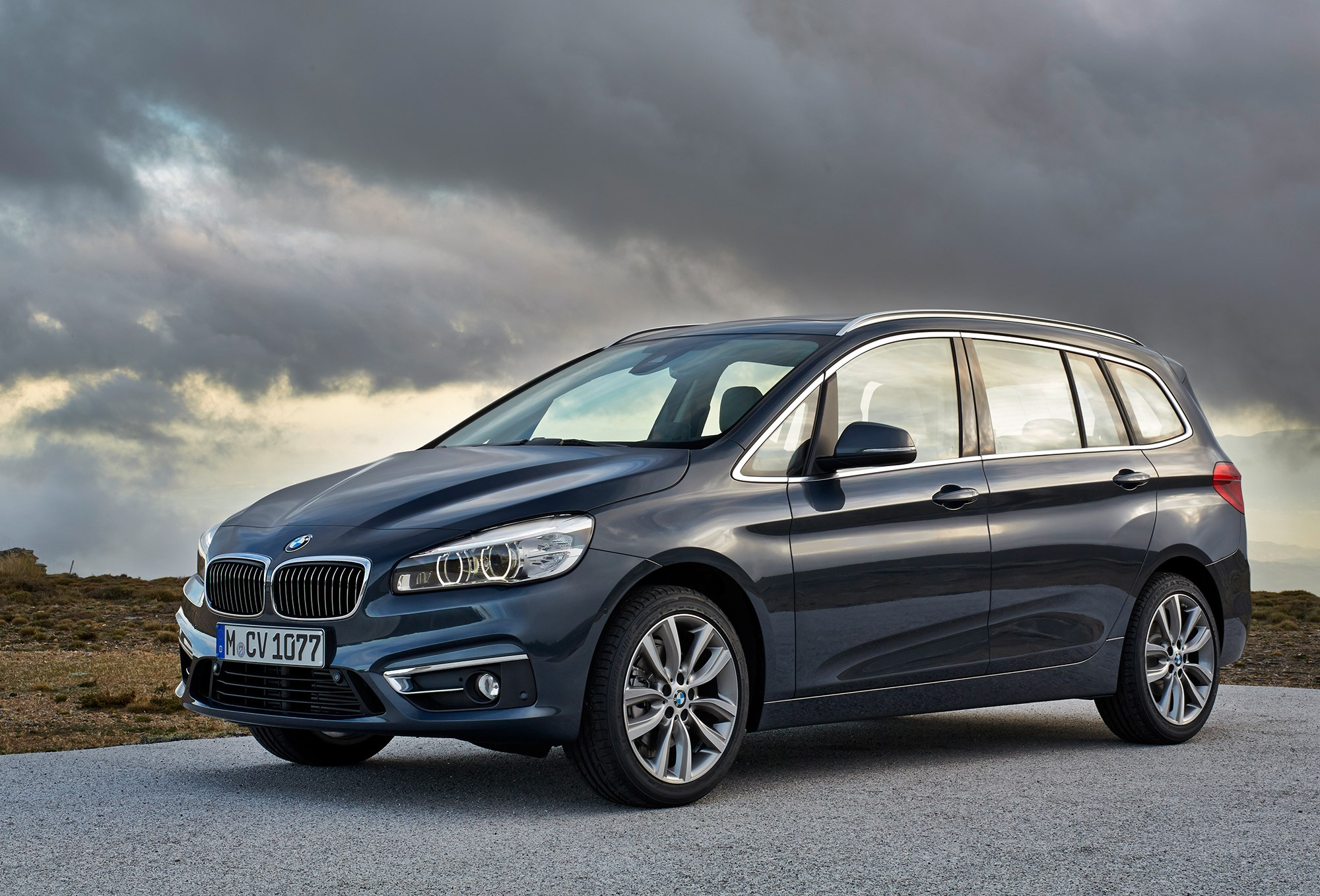 bmw 2 series gran tourer 2015 it s munich s first seven seat mpv by car magazine. Black Bedroom Furniture Sets. Home Design Ideas