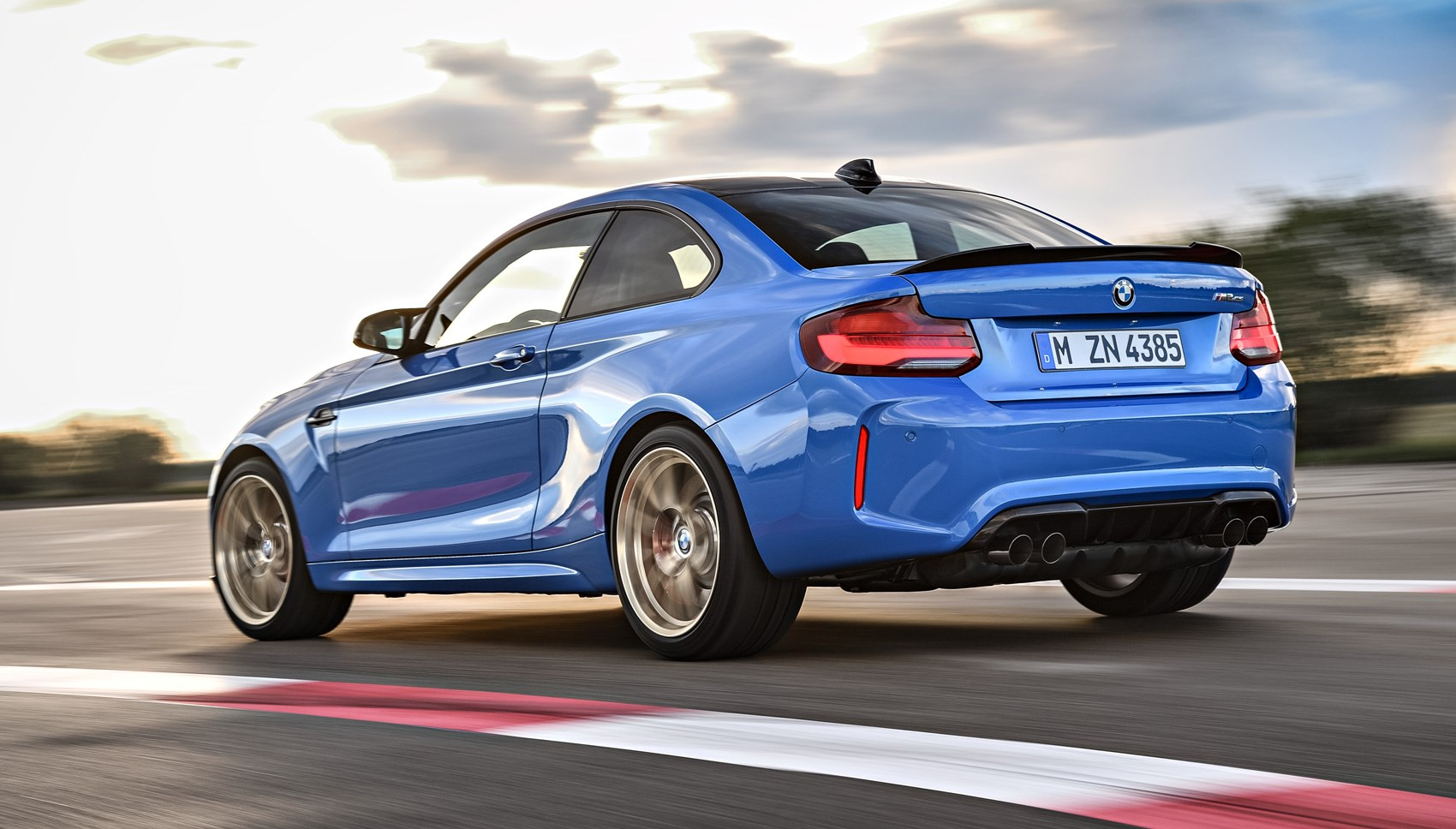 M2 Cs rear tracking