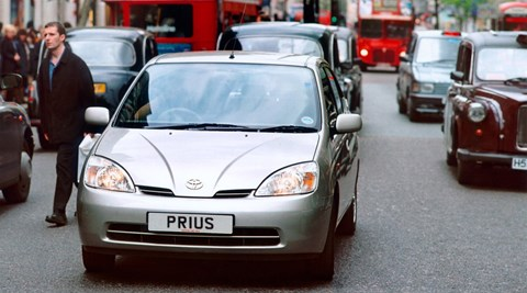 2000 Toyota Prius in London congestion
