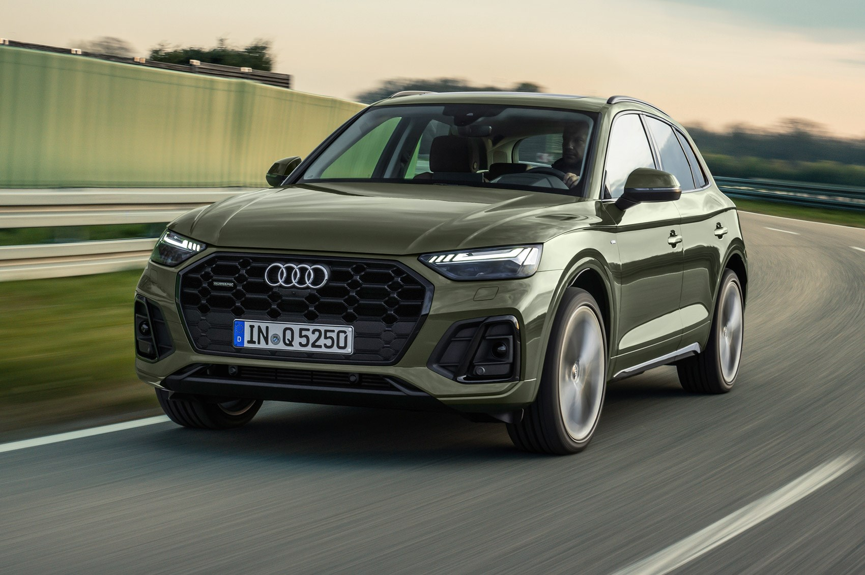 Audi Q5 facelift unveiled