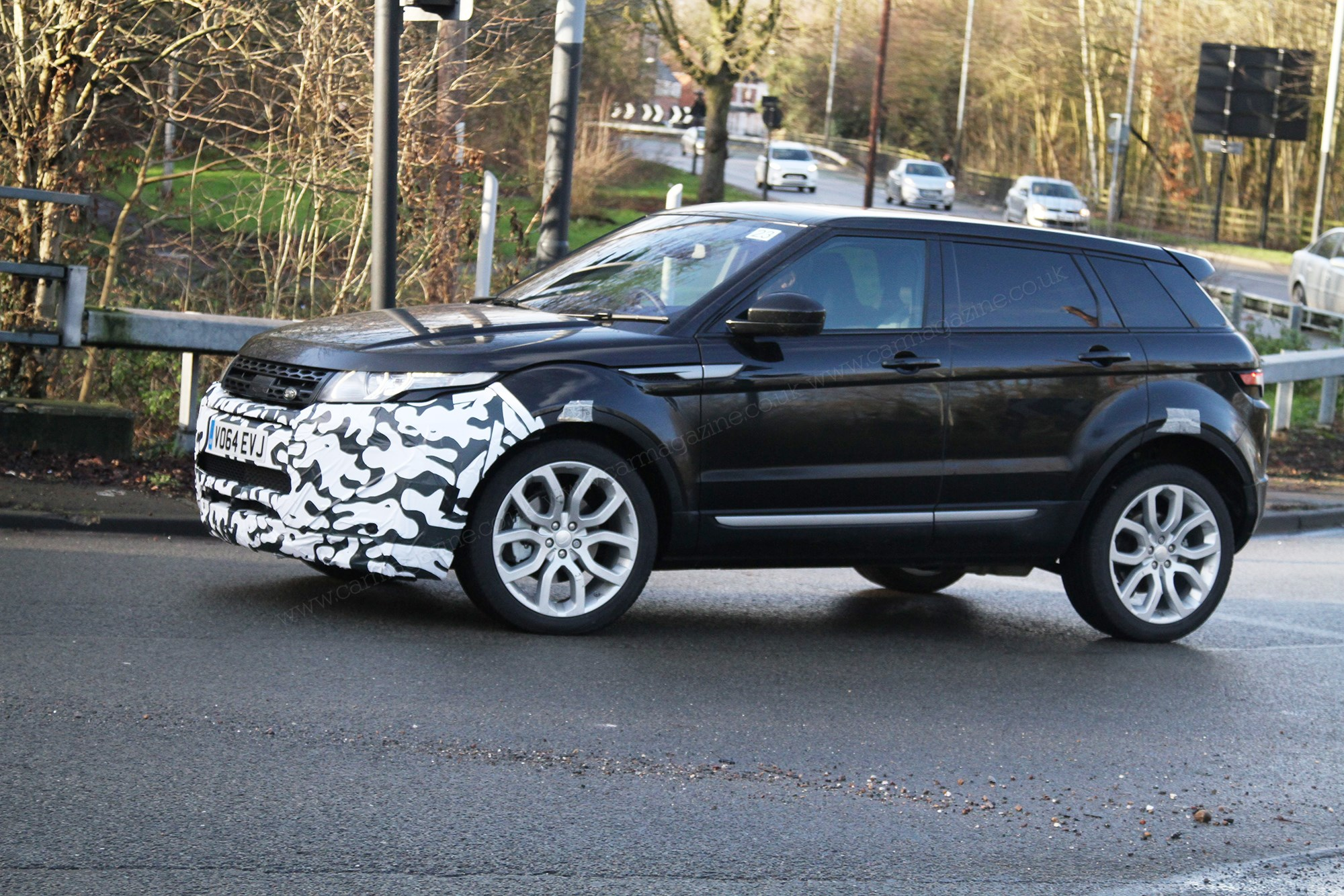 2015 Range Rover Evoque Spied How To Facelift The Impossible By Car Magazine