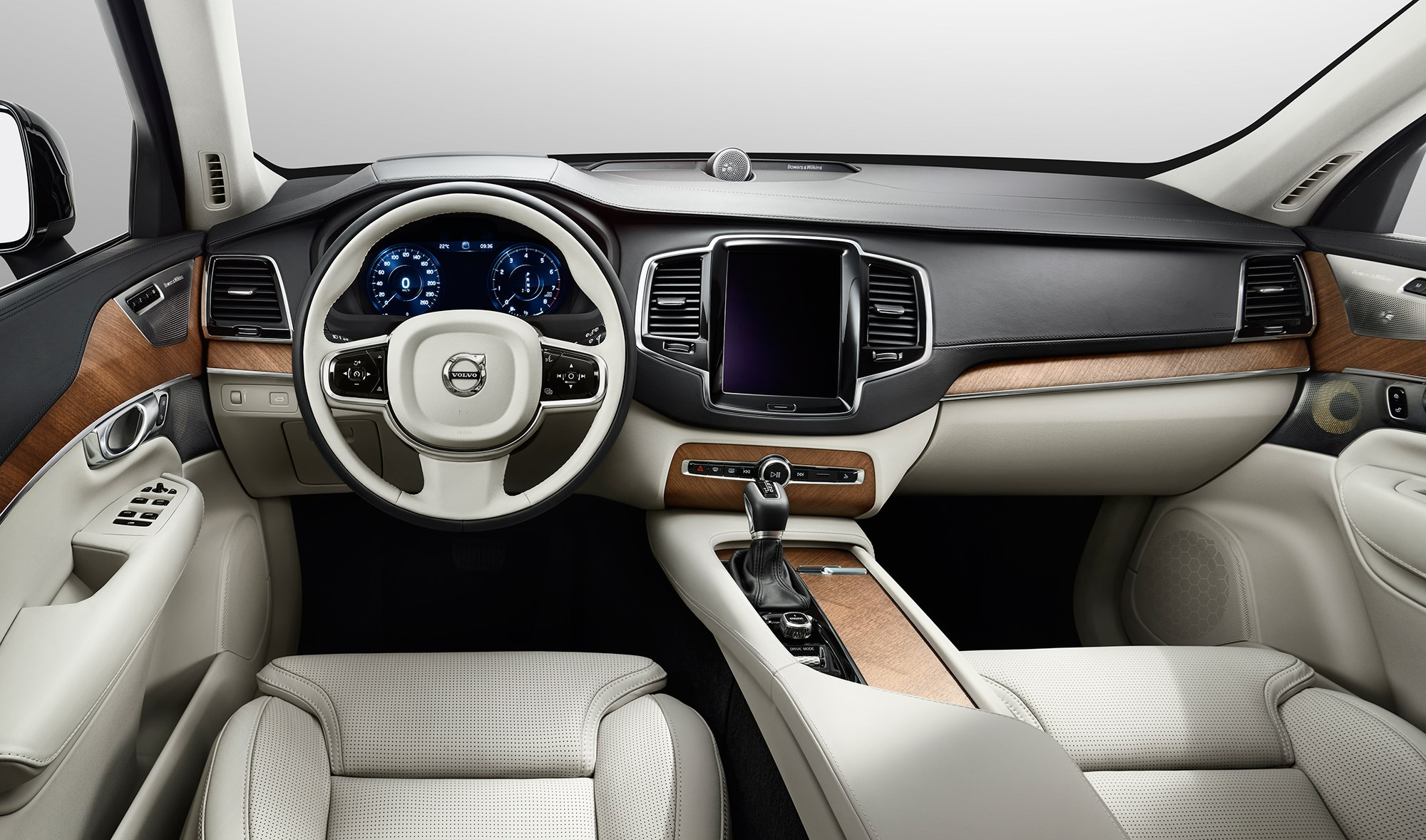 Volvo xc90 d5 2015 review car magazine the xc90s cabin one of its aces publicscrutiny Image collections