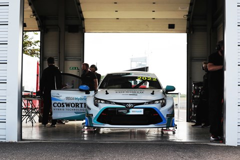 hybrid btcc pit garage