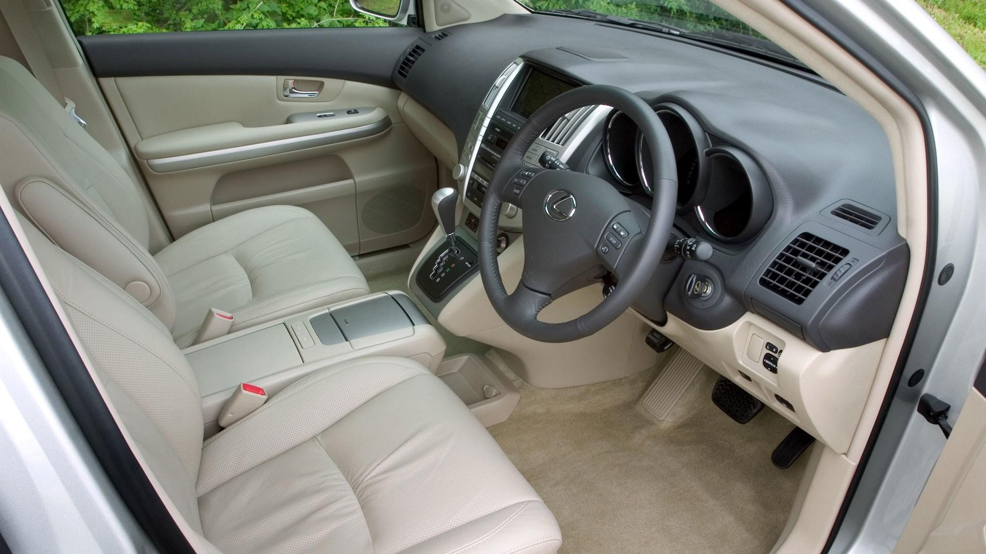 Lexus RX400h hybrid SUV review - interior