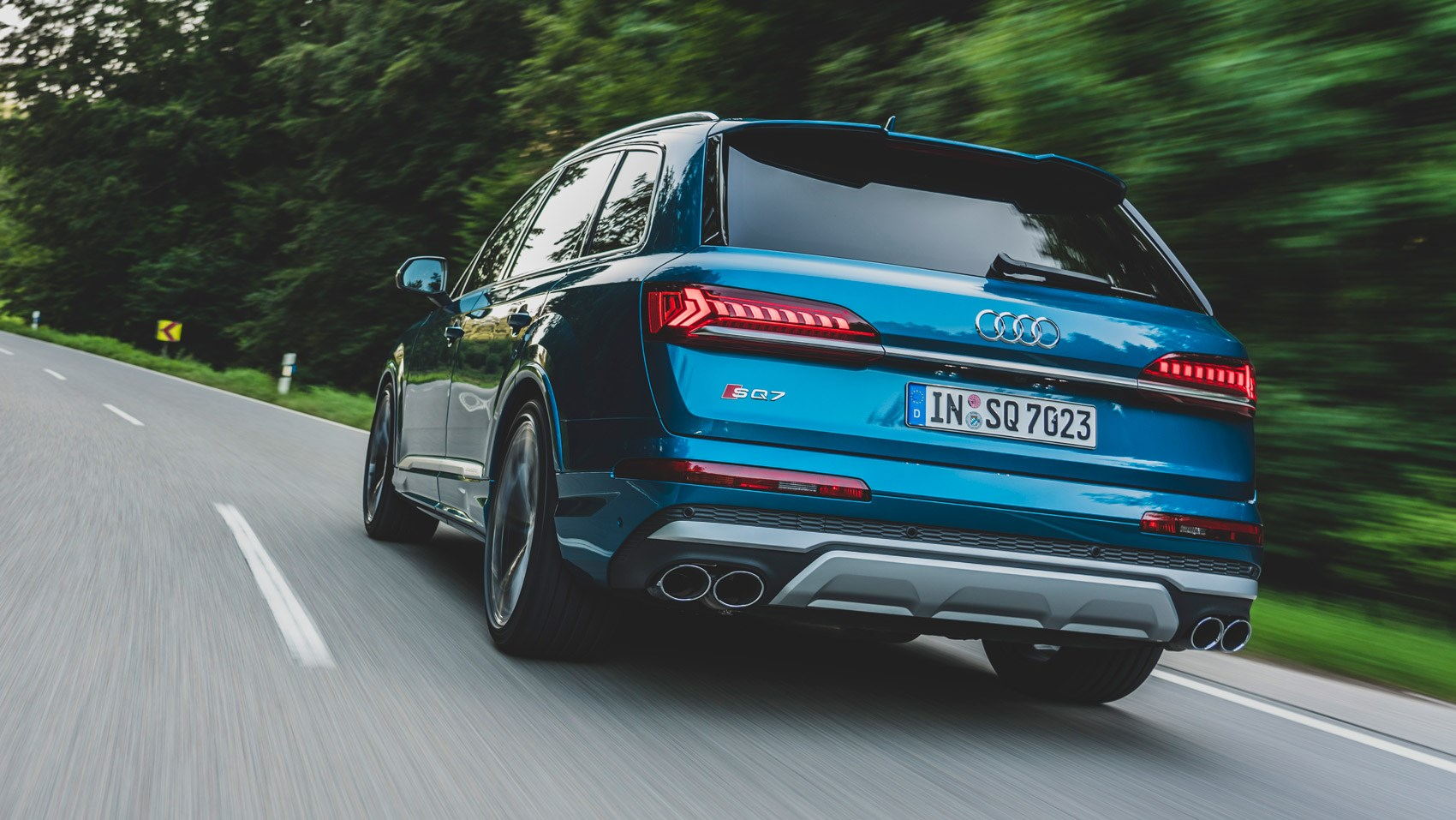 SQ7 rear tracking