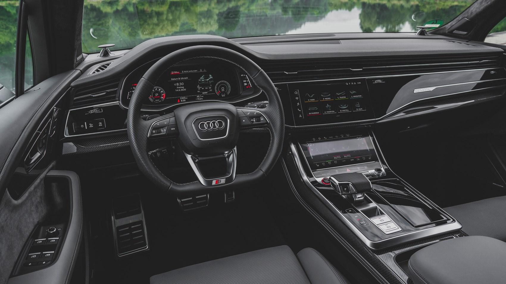 SQ7 interior