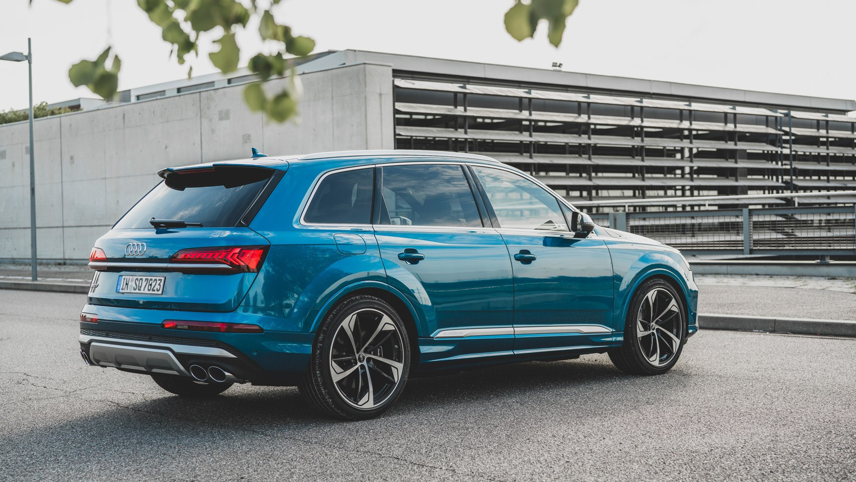 SQ7 rear static