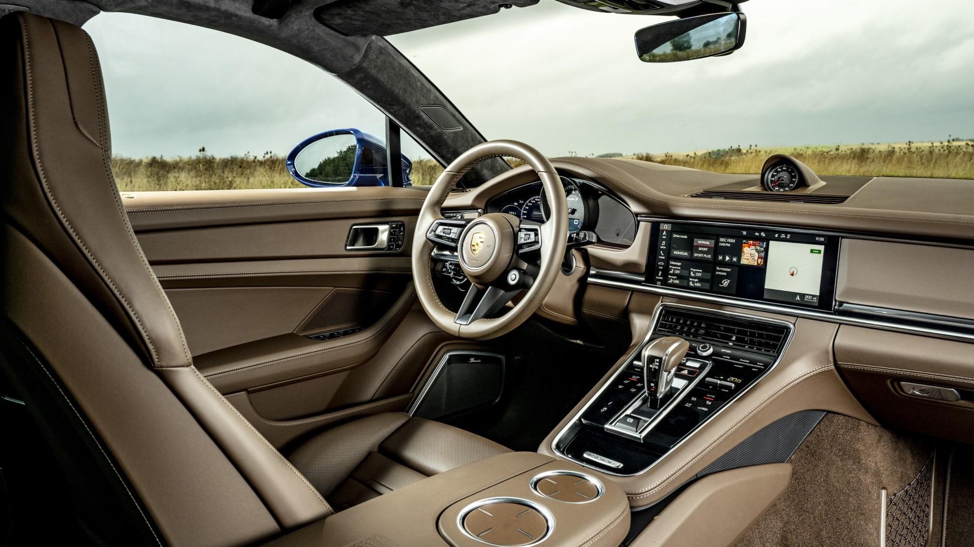 2020 Porsche Panamera Turbo S - interior