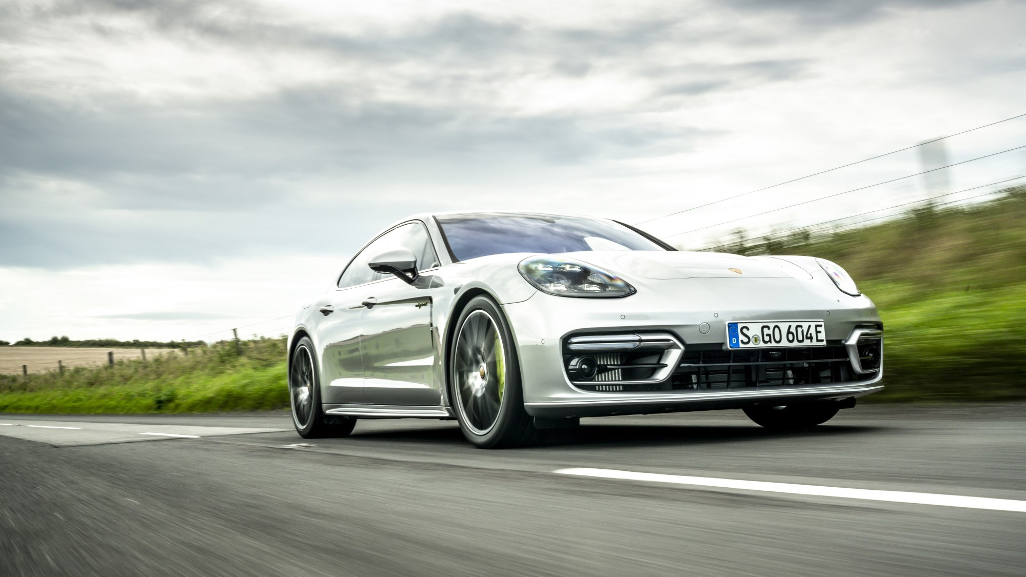 2020 Porsche Panamera hybrid - front tracking