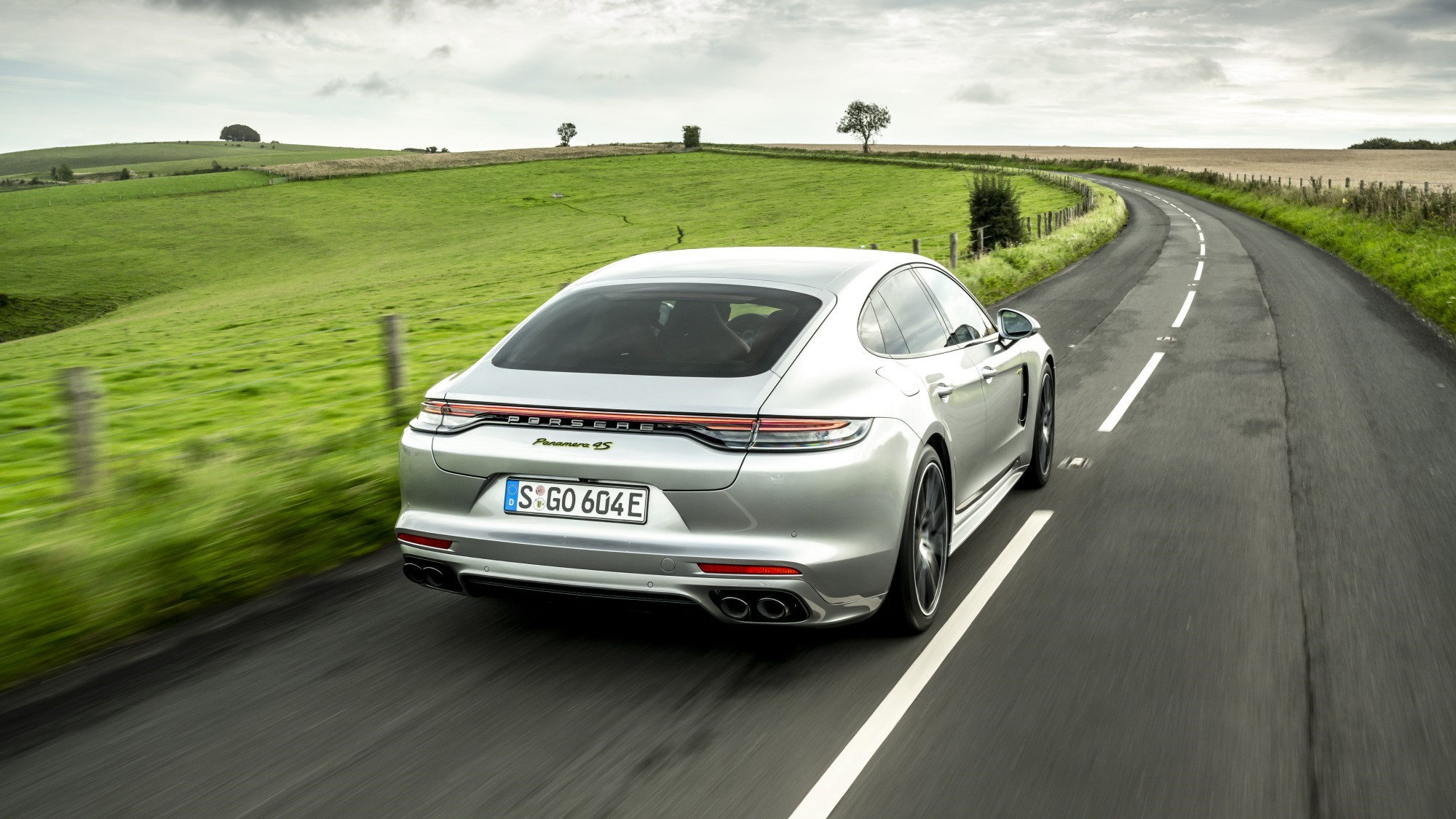 2020 Porsche Panamera hybrid - rear tracking