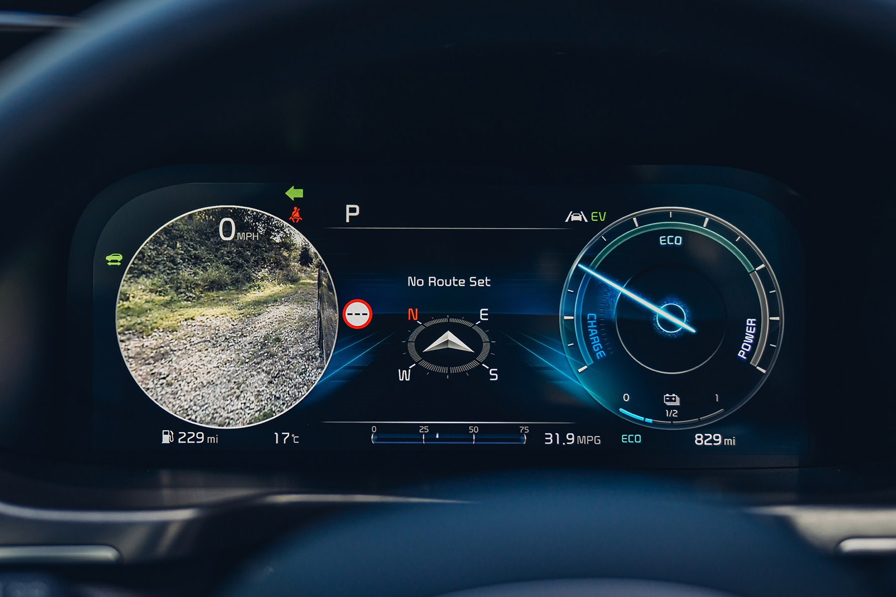 Kia Sorento 2020 digital dials, blind spot monitor camera