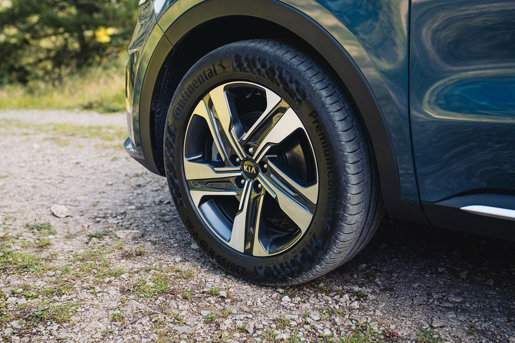 Kia Sorento 2020 19-inch wheels