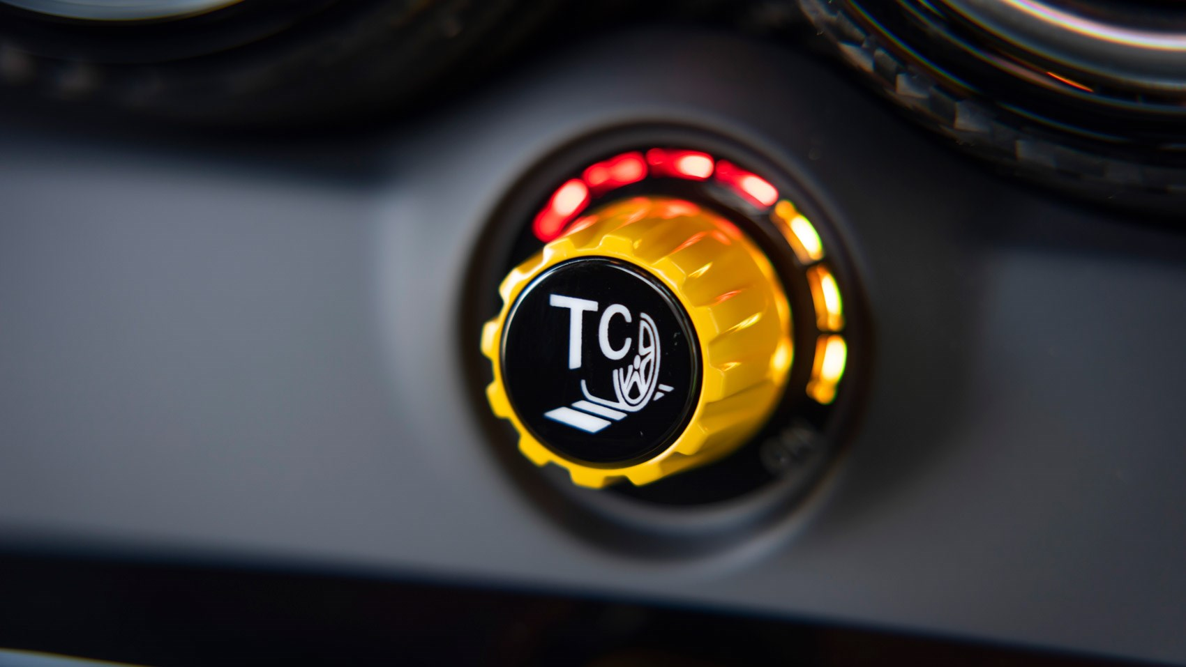 amg black traction dial