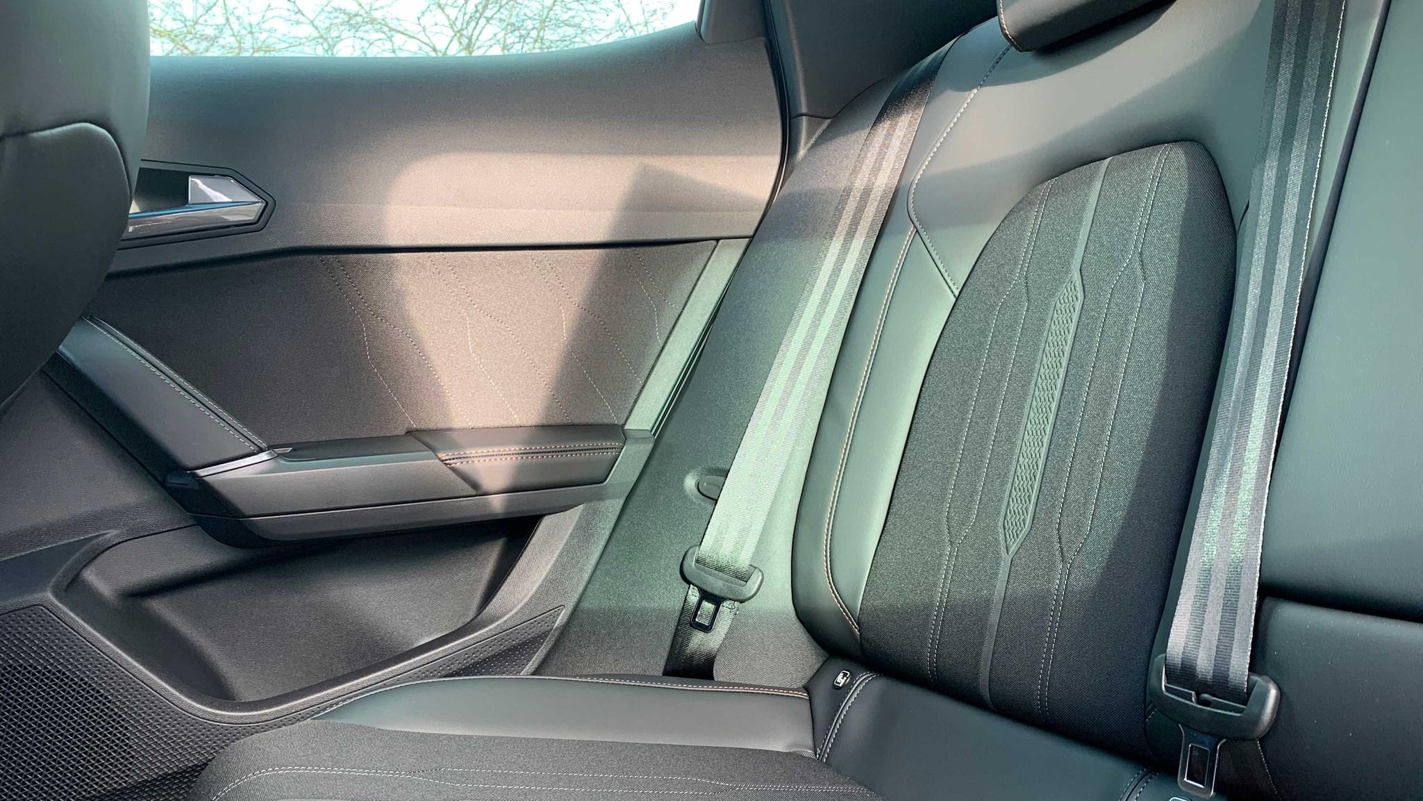 Base Cupra Formentor V1 rear seat