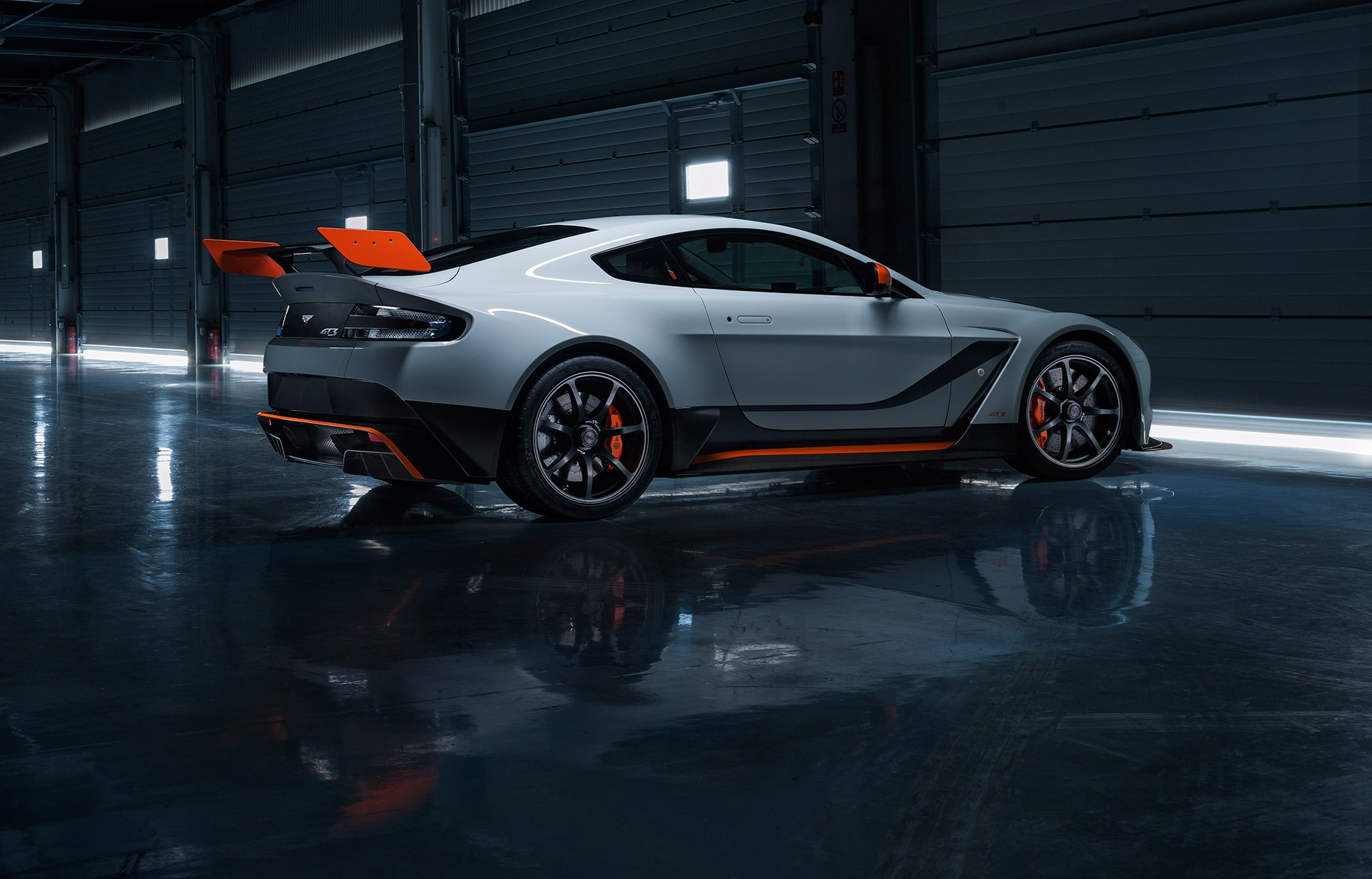 aston martin vantage gt3 unveiled: brutal 911 rival bound for