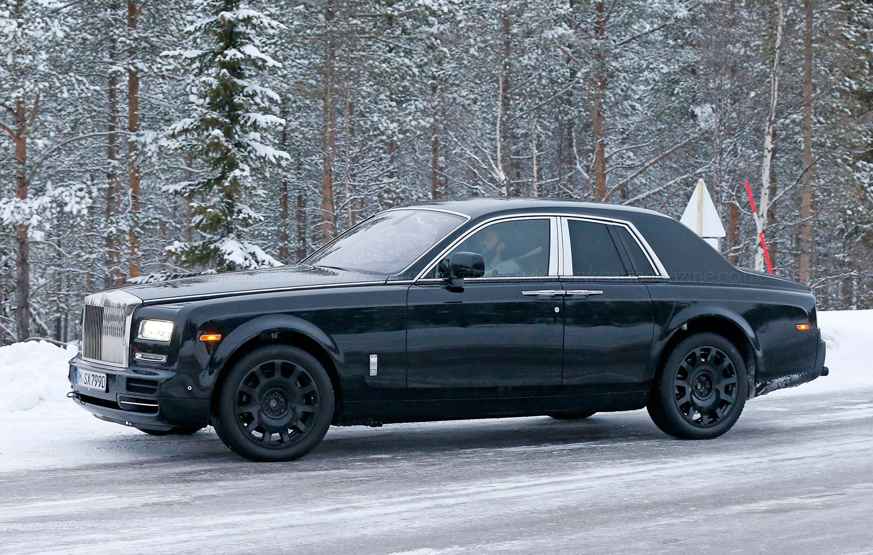 2018 rolls royce suv rendered 2016 new best cars -  Lashed Up Mule Chassis Visible On This Cut N Shut Prorotype Actual Rolls Suv