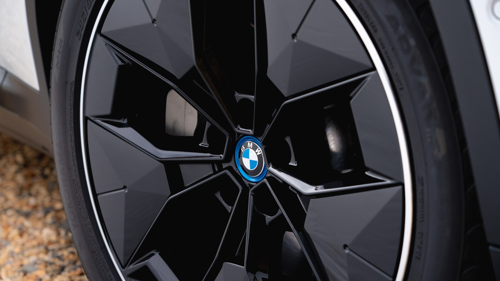 ix3 wheel