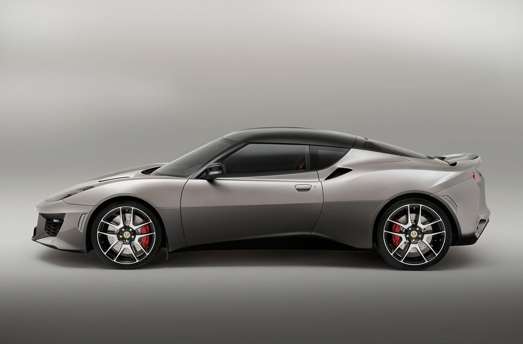 evora 400 still identifiably a lotus but new too