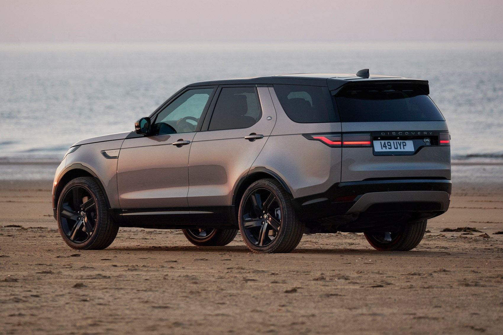 Land Rover Discovery freshens up for 2021 | CAR Magazine