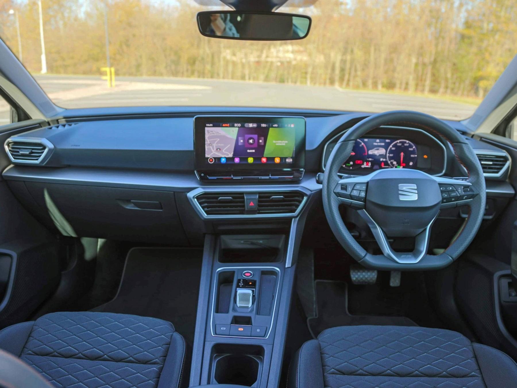 Seat Leon PHEV interior