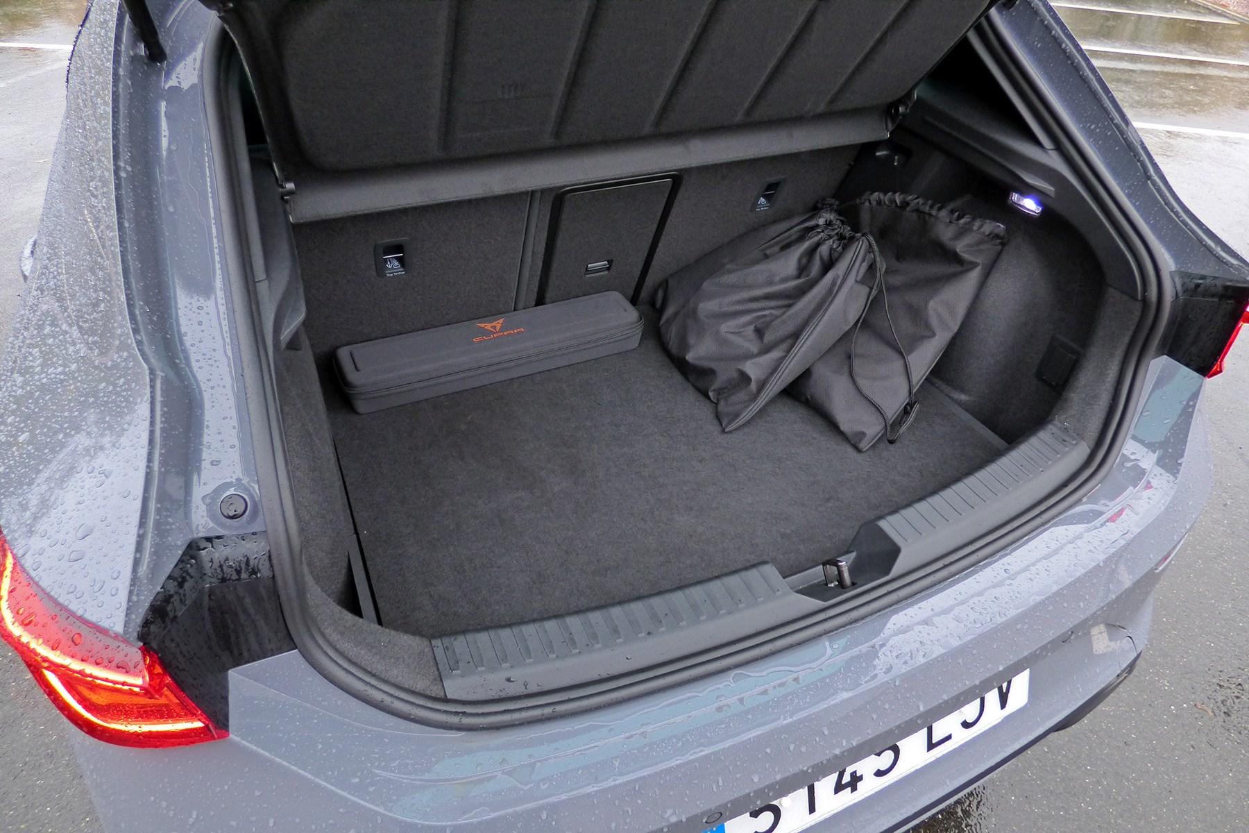 Cupra Leon e-hybrid (2020) boot
