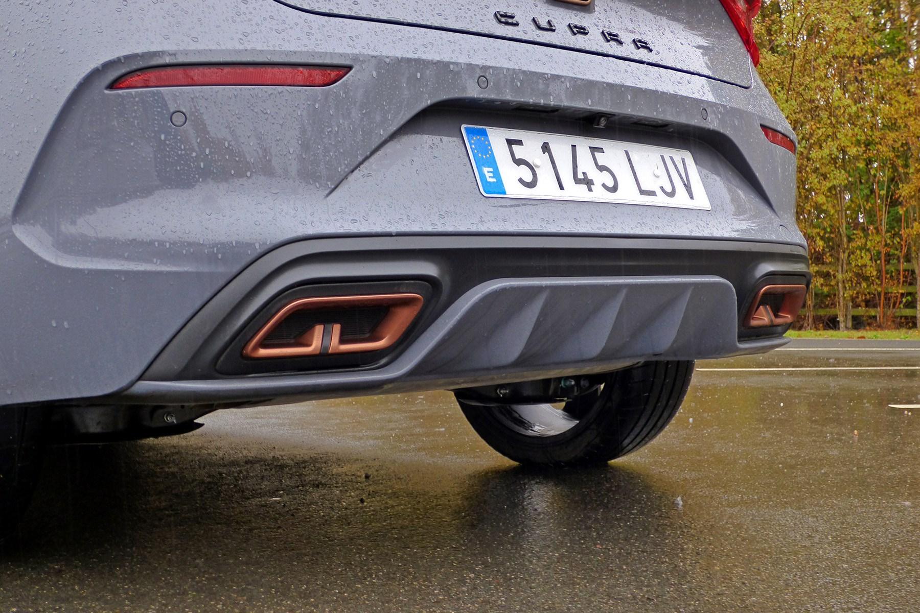 Cupra Leon e-hybrid (2020) rear bumper