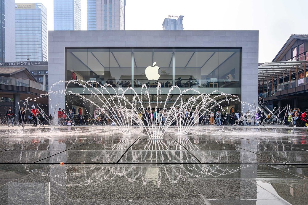 Could your local Apple Store soon be selling cars, too?