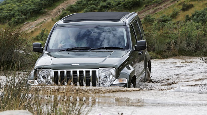 ... Jeep Cherokee 2.8 CRD Limited UK CAR Review ...