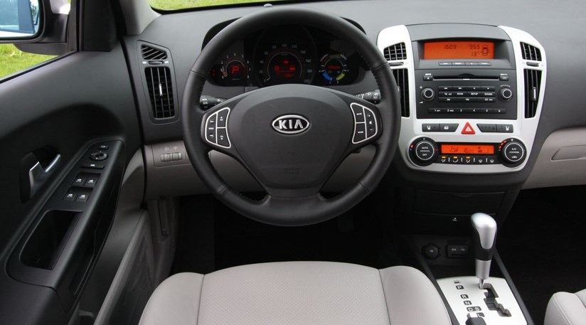 kia ceed 1 6 hybrid 2008 review by car magazine. Black Bedroom Furniture Sets. Home Design Ideas