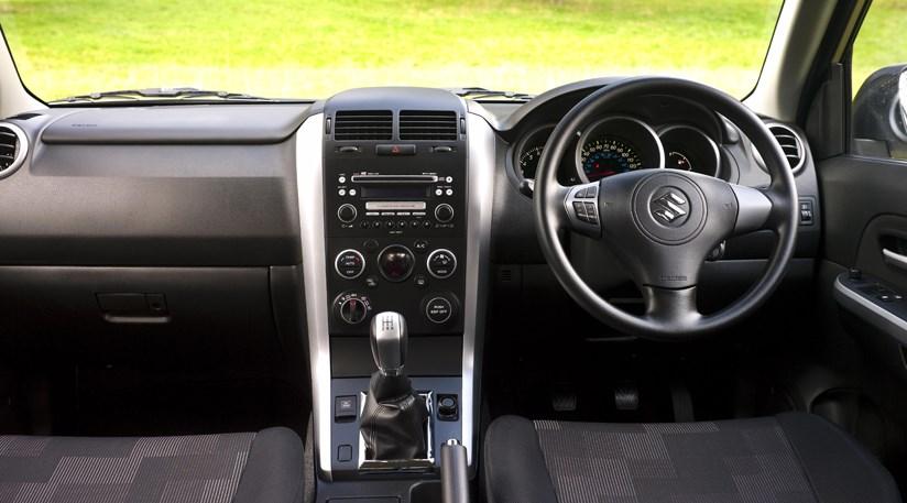 Suzuki Grand Vitara 2 4 (2008) review   CAR Magazine