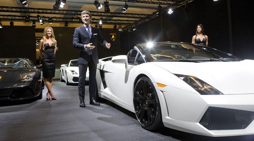 Lamborghini Gallardo Spyder Unveiled At LA Auto Show