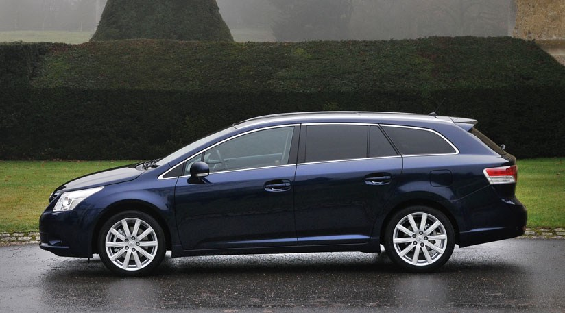 Toyota Avensis 1 8 Valvematic Tourer 2009 Review By Car