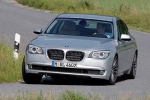 BMW 730d (2009) CAR review