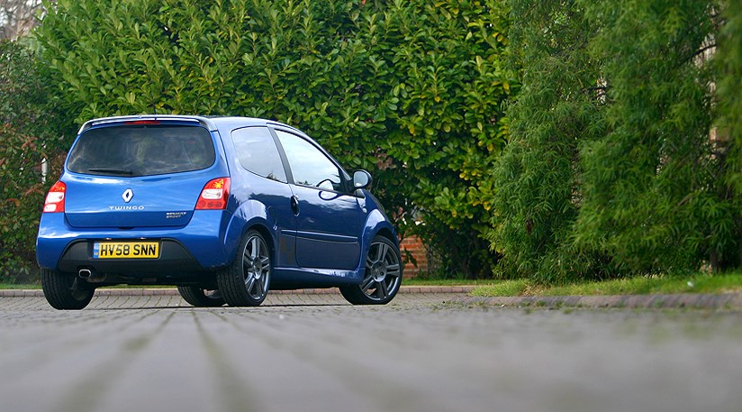 renaultsport twingo 133 39 cup 39 long term test review by car magazine. Black Bedroom Furniture Sets. Home Design Ideas