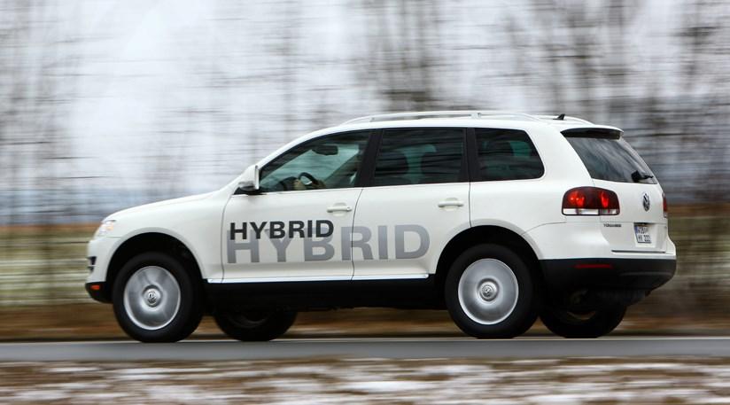 VW Touareg Hybrid (2009) review   CAR Magazine