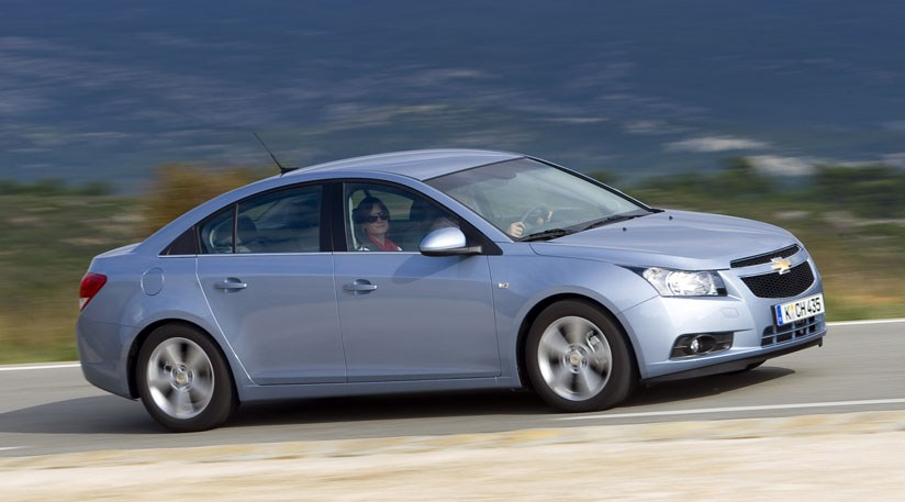 Chevrolet Cruze 2.0 VCTi (2009) review by CAR Magazine