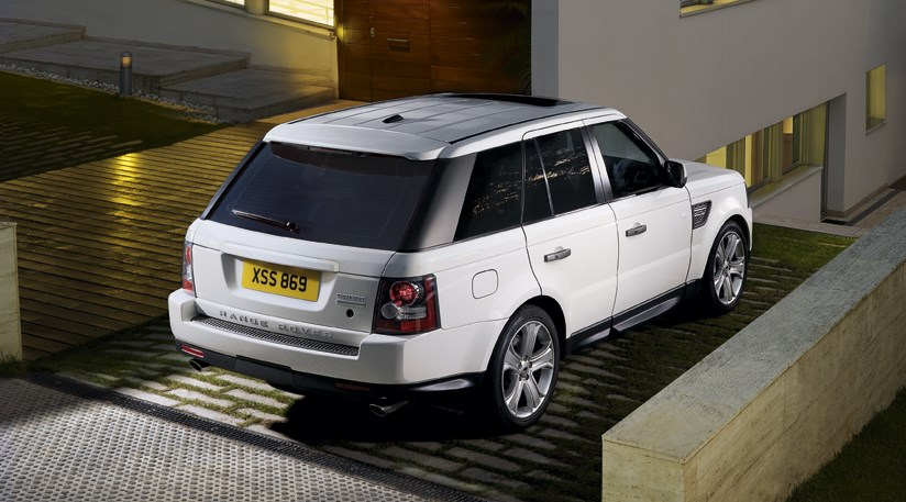 range rover sport 2010 first official photos car magazine. Black Bedroom Furniture Sets. Home Design Ideas