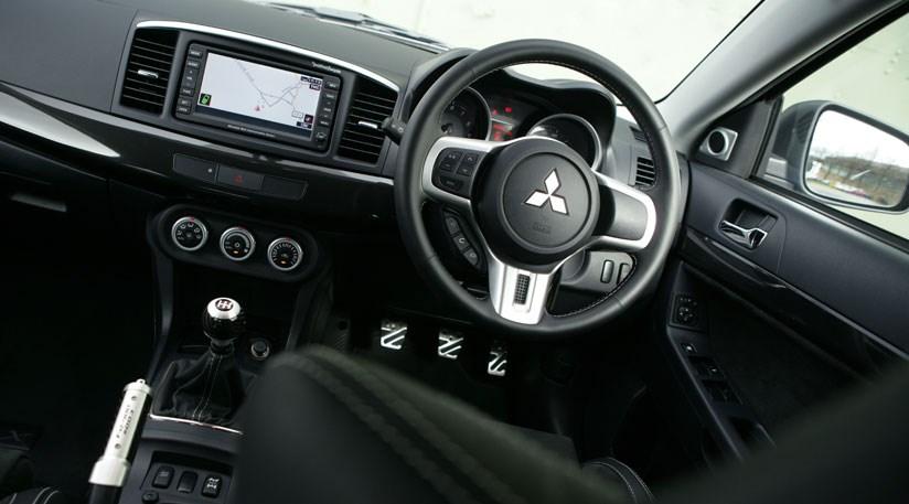 Mitsubishi Lancer Evo X FQ400 2009 review by CAR Magazine