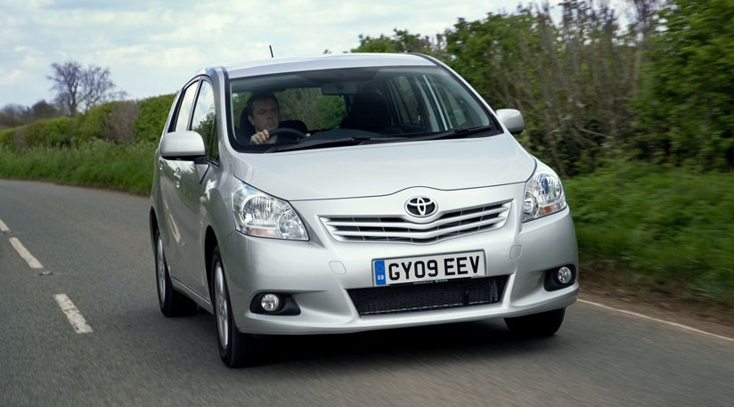 Toyota Verso TR 2.0 D-4D (2009) CAR review | Road Testing Reviews | Car