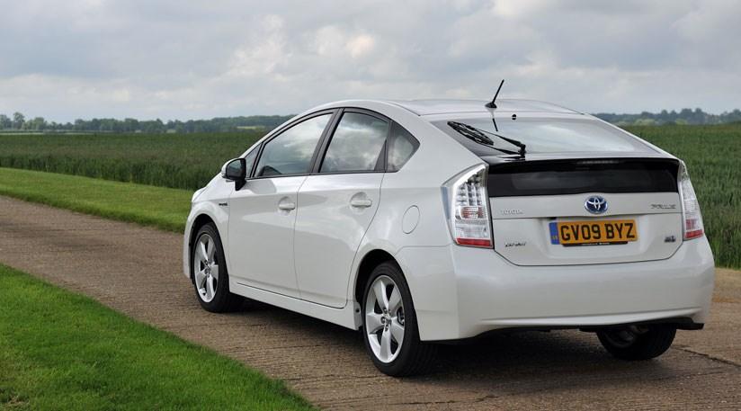 Toyota Prius (2009) hybrid review   CAR Magazine