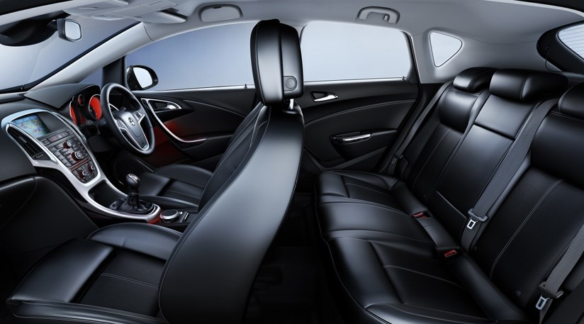 Vauxhall Astra (2009): first interior photos   CAR Magazine