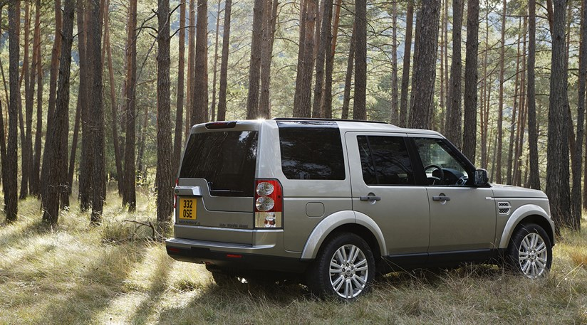 Land Rover Discovery 4 TDV6 HSE (2010) review by CAR Magazine