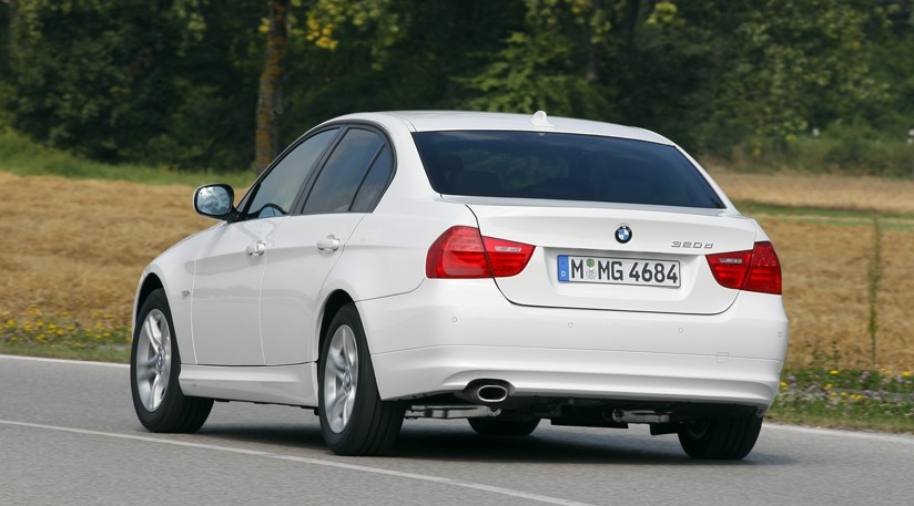 BMW 320d Efficient Dynamics (2010) review | CAR Magazine