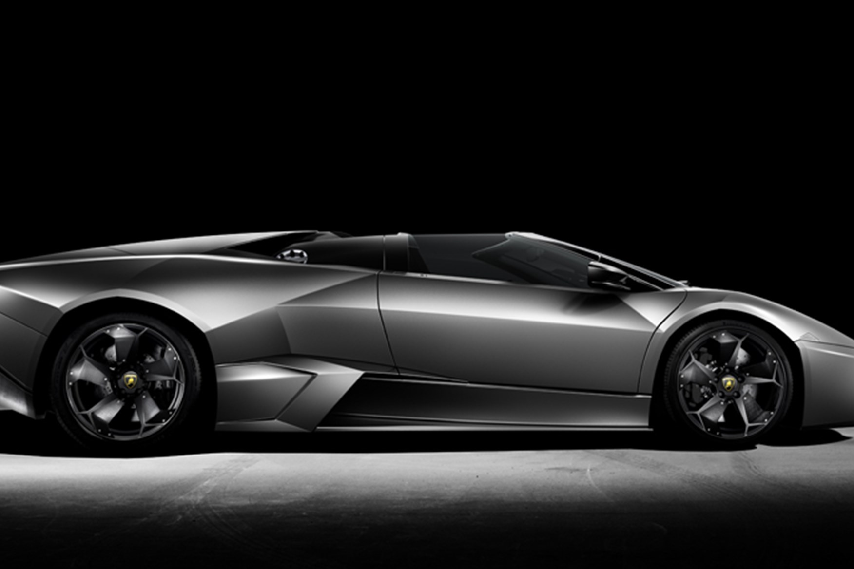 Lamborghini Reventón Roadster Revealed. Advertisement